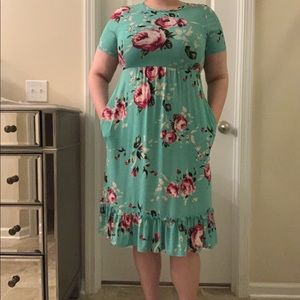 Bellamie floral turquoise dress size 14/16